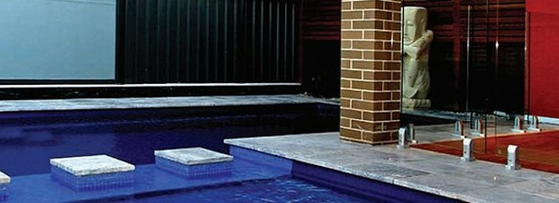Select the Best Swimming Pool for You - Fibreglass or Concrete