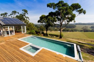 Award winning pool and spa installation above ground