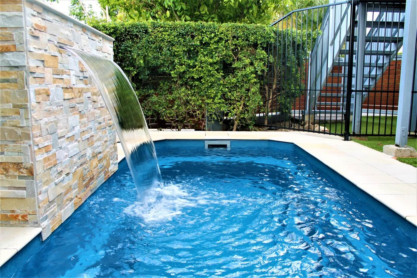 Fibreglass swimming pools pool shapes compass pools for Pool design tips