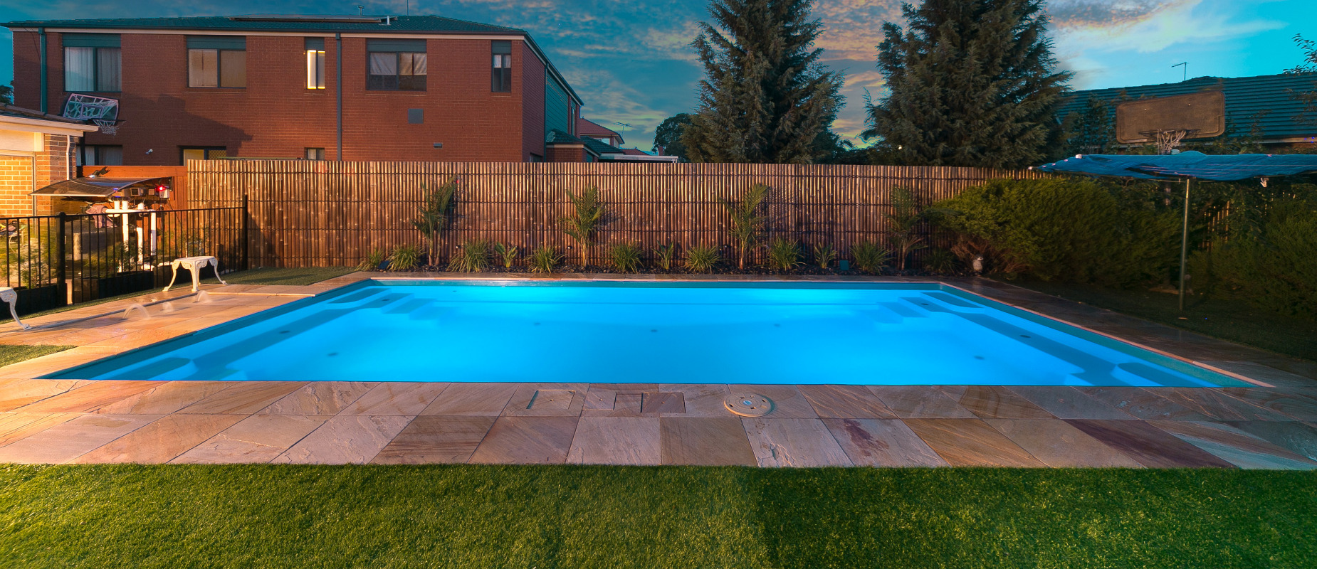 Contemporary Pool Design - Shallow Ends, Deep Centre | Compass Pools