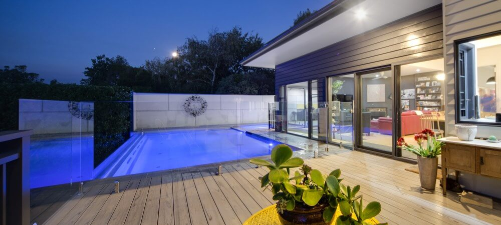 Make your swimming pool always look shiny with the right choices