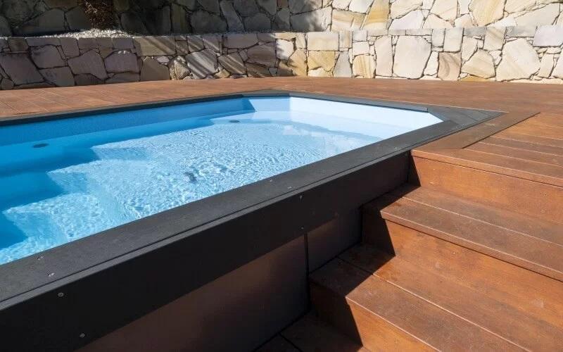 Compass Pools Australia Le type de piscine portable est facile d'accès et d'entretien