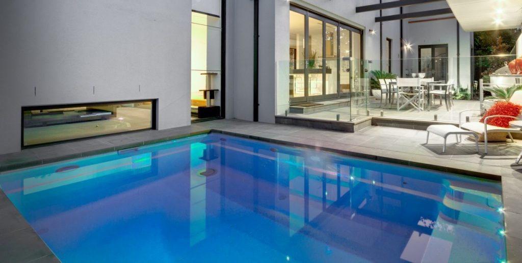Small courtyard designs with plunge pools
